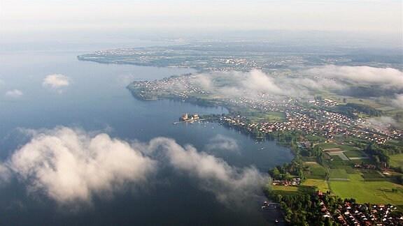 Flugaufnahme über den Ort Wasserburg.
