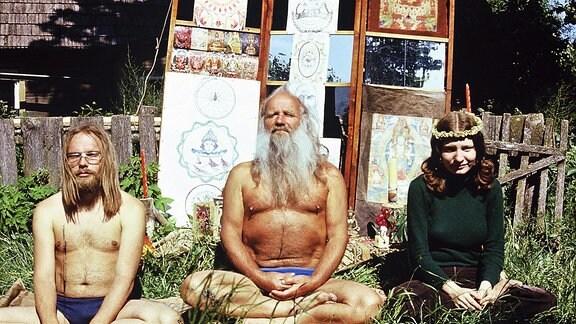 Meditierende Hippies