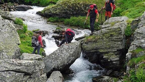 Peaks of the Balkans - Trekking mit Hindernissen (Die BIWAK-Expedition zu den Bergen und Menschen in Albanien, Montenegro und Mazedonien: Vom 20.08. bis 23.08.2018 und am 25.08.2017, jeweils 19.50 Uhr im MDR-Fernsehen)