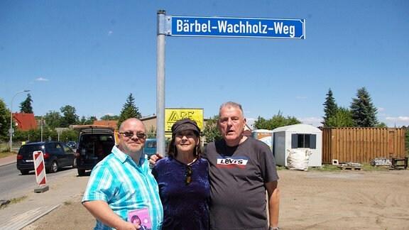Stephan Kämpf, Ingrid Winkler und Walter Bühling / Bärbel-Wachholz-Weg in Angermünde