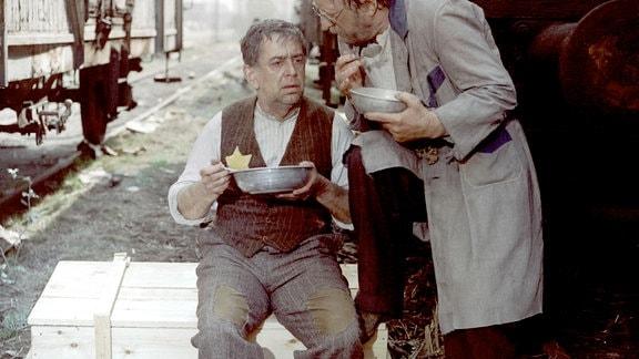 Vlastimil Brodsky (l.) als Jakob, Erwin Geschonneck als Kowalski.