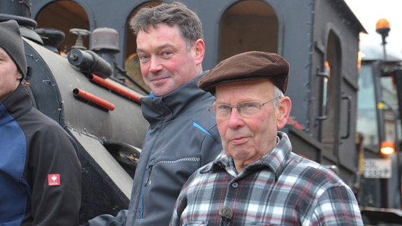 Herbert Kühne und Andreas Möhrke haben die Lok gebaut (Foto für alle Folgen)