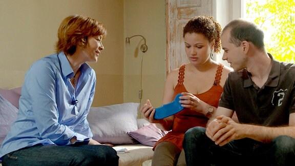 Sex ist Kommunikation. Ann-Marlene Henning mit Jessica und Oliver aus Böblingen.