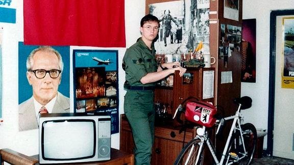 NSA-Mitarbeiter Jeffrey Carney in seiner West-Berliner Unterkunft in Tempelhof.