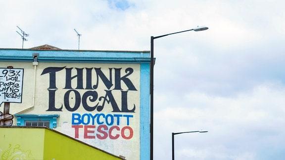 Ein Boykottaufruf gegen die Supermarktkette Tesco.