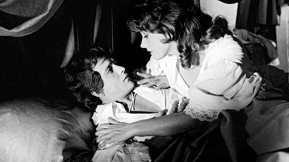 Isabelle (Claudine Auger) mit Henri (Jean-Francois Poron)