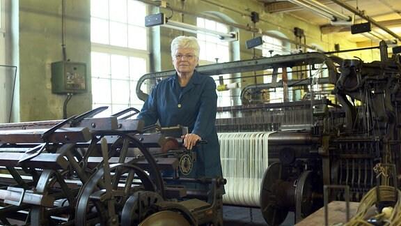 Birgit Spiegelberg im Textilwerk Crimmitschau