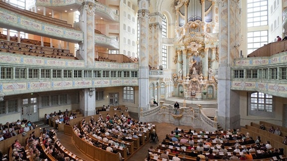 Gottesdienst in der Frauenkirche Dresden am 28. Juni 2009 auf der Kanzel Pfarrer Holger Treutmann