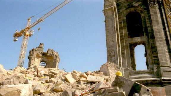 Der Bauzustand der Frauenkirche in Dresden im Mai 1997.