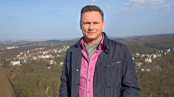 Moderator Axel Bulthaupt in der Nähe von Eisenach.