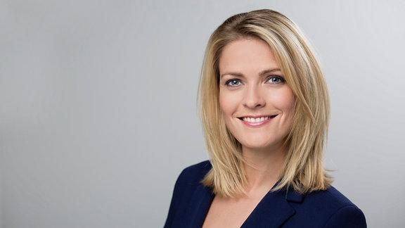 Moderatorin Wiebke Binder im Porträt