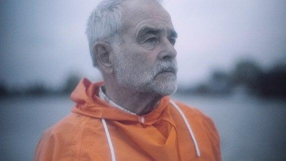 Manfred, 74, Segler mit Schwimmweste