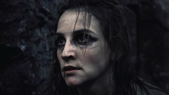Jana Klinge als Elja