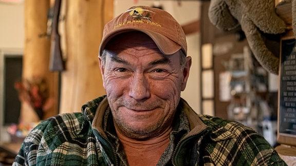 Stan McNeven ist einer der Pioniere im hohen Norden Kanadas und betreibt seit mehr als 40 Jahren am legendären Dempster Highway die Station Eagle Plains.