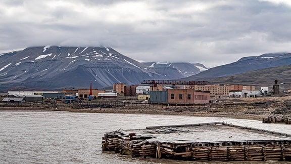 Die russische Station Pyramiden war einst ein der größten Bergbaustatten auf Svalbard – heute ist es eine Geisterstadt.