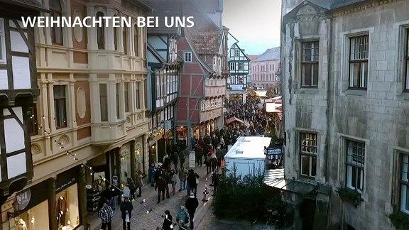 Blick auf eine Quedlinburger Innenstadtstraße
