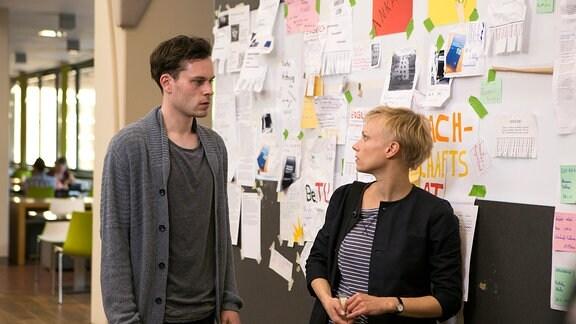 Der Architekturstudent Florian (Florian Batholomäi) begegnet der Norwegerin Trude (Lise Risom Olsen) in der Uni.