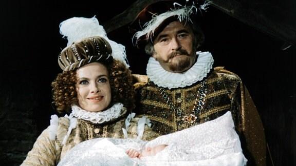 Milena Dvorská (Königin Hortensie, Mutter von Rosentraut), (Prinzessin Rosentraut als Baby), Jiří Sovák (König Rautenstrauch V., Vater von Prinzessin Rosentraut)