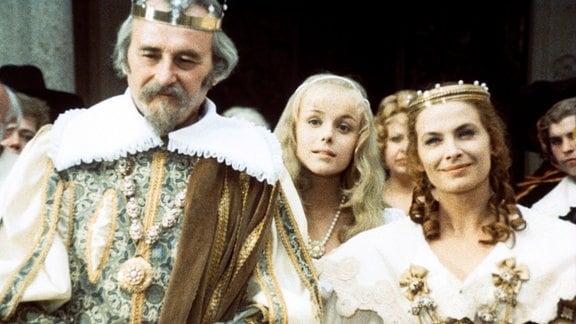 Jiří Sovák (König Rautenstrauch V., Vater von Prinzessin Rosentraut), Marie Horáková (Prinzessin Rosentraut), Milena Dvorská (Königin Hortensie, Mutter von Rosentraut)