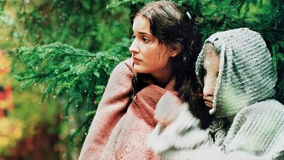 Katka (Kristina Jelinková), Anicka (Linda Rybová).