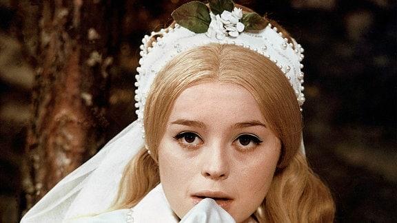 Magda Vasaryova als Prinzessin Slavena