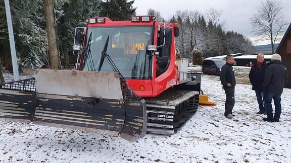 Im Oberdorf, auf etwa 800 Metern, liegen ein paar Flocken. Eine Loipe zu ziehen, davon sind die Verantwortlichen von Heimat- und Skiverein aber noch weit weg. Einen Wettkampf im Skilanglauf, der für dieses Wochenende geplant war, den haben sie schon letzte Woche absagen müssen.
