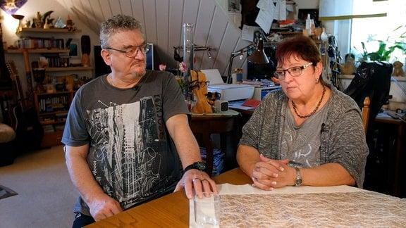 Die Pflegeeltern Steffi und Matthias Stopp wünschen sich für Jessika eine angemessene Betreuung - auch wenn sie nicht mehr bei ihnen lebt.