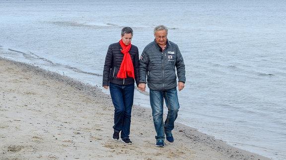 Ihr Mann lebt an der Küste. Ines in Leipzig. Sie vermisst den ganz normalen Alltag in ihrer Ehe.