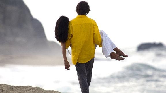 Leo (Christopher Lambert) geht mit der gelähmten Muriel (Sophie Marceau) gemeinsam auf die letzte Reise.