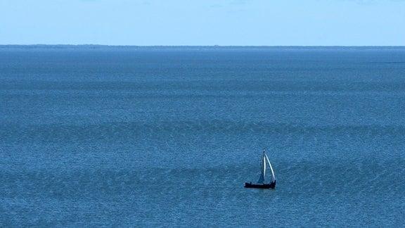 Ein Segelboot in der Kurischen Nehrung