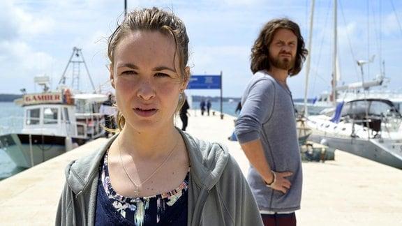 Jana (Victoria Schulz) ist Sebastian (Sebastian Fräsdorf) nach Kroatien gefolgt.
