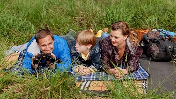 Ulf Kramer (Benno Fürmann), sein Neffe Aaron (Louis Hofmann) und Freundin Anni (Jördis Triebel).