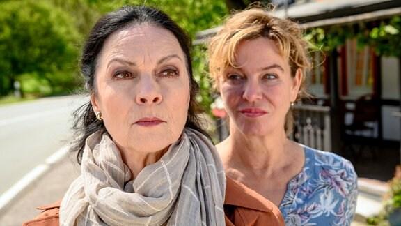 Luise (Sabine von Maydell, li.) und Heidi (Margarita Broich) mögen sich nicht.