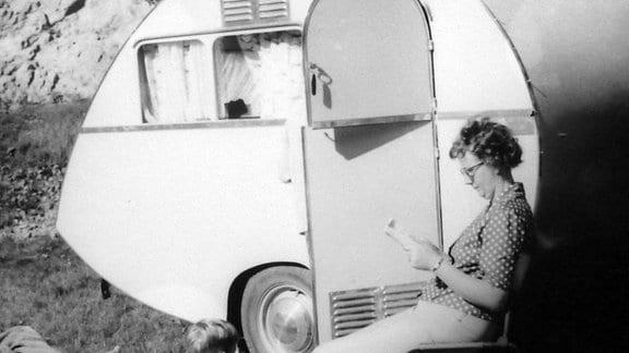 """Das """"Dübener Ei der Familie Würdig in den 60er- und 70er-Jahren auf Reisen."""