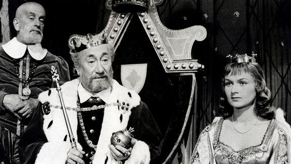 König  (Jaroslav Marvan), Prinzessin Blanka  (Aglaia Moráková)