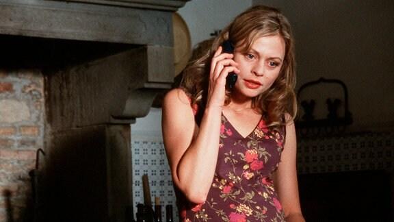 Schwierige Beziehung: Bea (Susanna Simon) bekommt einen dramatischen Anruf ihrer Mutter.