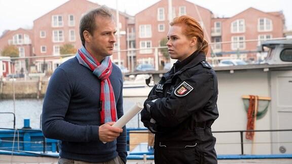 Bei den Ermittlungen zu den Überfällen in Schwanitz: Hauke Jacobs (Hinnerk Schönemann) und Lona Vogt (Henny Reents).