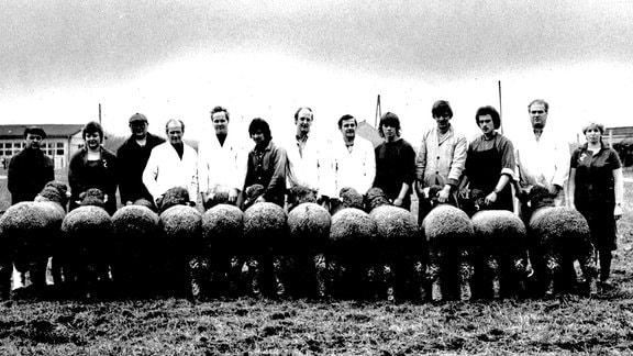 Jährlich 250 Jungen und Mädchen erlernten zu DDR-Zeiten in Wettin den Schäferberuf. Aufnahme Mitte der 1970er Jahre.