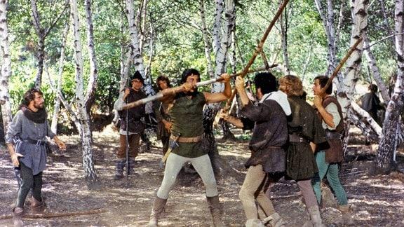 Robin Hood und seine Getreuen kämpfen im Wald von Sherwood für die Rechte des rechtmäßigen englischen Königs Richard Löwenherz.