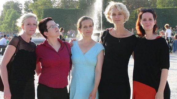 Fünf Freundinnen auf Reisen (v. li.): Sabine, Veruscha, Claudi, Vera und Claudia
