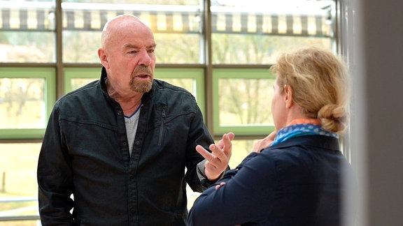 Heinz Eggert – CDU-(1991-1995 Sächsischer Innenminister, 1994 – 2009 Mitglied im Sächsischen Landtag) im Gespräch mit Filmautorin Katja Herr.