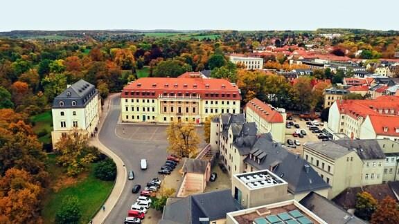 Im ehemaligen Weimarer Fürstenhaus wurde das Land Thüringen 1920 gegründet. Danach war das Gebäude der Sitz des Thüringer Landtages.
