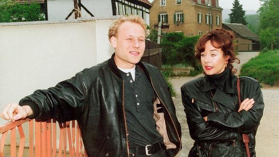 Wiktorija (Vera Tschechowa), Kain (Bernd Michael Lade).