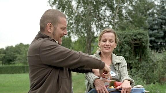 Anton wird während des Familienurlaubs Zeuge einer Eifersuchtsszene seiner Eltern.