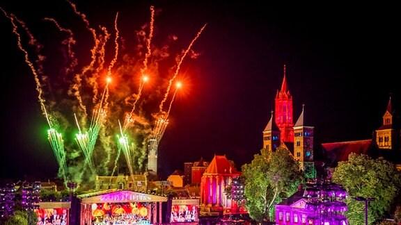 Feuerwerk zum André Rieu Konzert auf dem Vrijthof in Maastricht