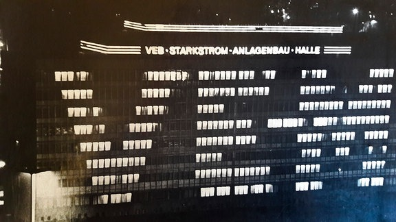 Lichtwerbeanlagen des VEB Neontechnik in Halle