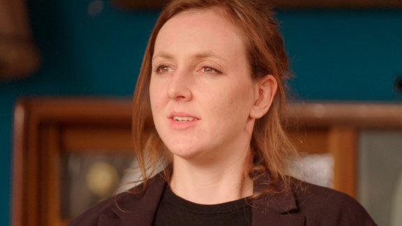 Valerie Schönian, 1990 in Sachsen-Anhalt geboren, hat das Buch OSTBEWUSSTSEIN geschrieben.
