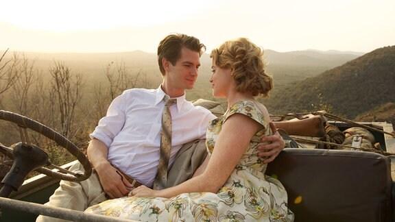 Robin Cavendish (Andrew Garfield) verliebt sich in die schöne Diane (Claire Foy).