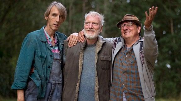 Johannes (Ernst Stötzner, Mitte), Kiepke (Andreas Schmidt) und Rudi (Thomas Kügel) machen sich auf einen ungewöhnlichen Beutezug.