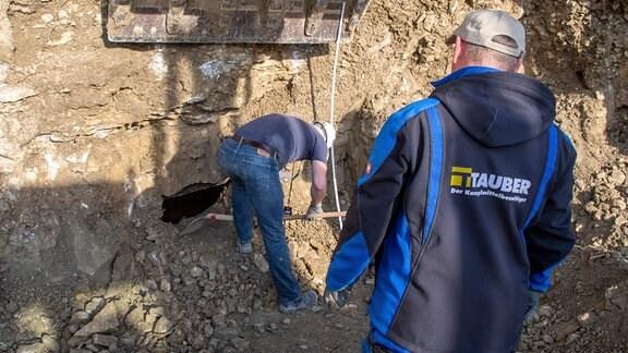 Ausgrabungen im Steinbruch des ehemaligen Konzentrationslagers Buchenwald bei Weimar.